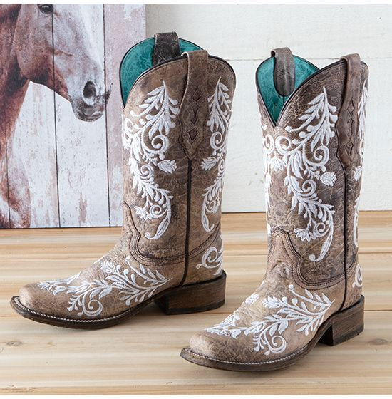 Corral Brown and White Embroidered Boots